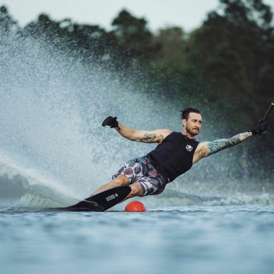 2022 Vapor Pro Build Unisex Water Skis Colour is Textreme Black